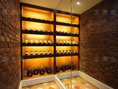成都香城河畔业主工业风酒柜