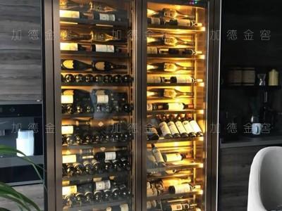 深圳君悦龙庭(二期)业主定制嵌墙酒柜