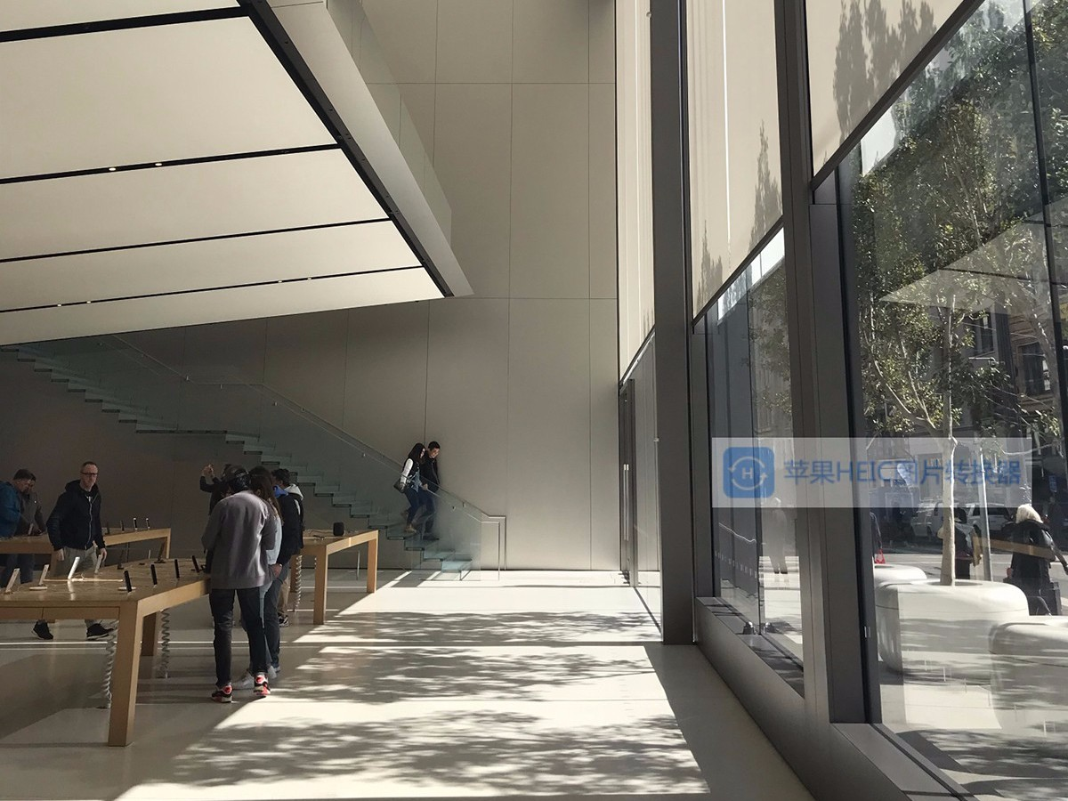 苹果专卖店不锈钢定制项目