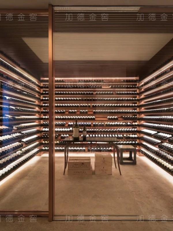 简约欧式金属酒窖